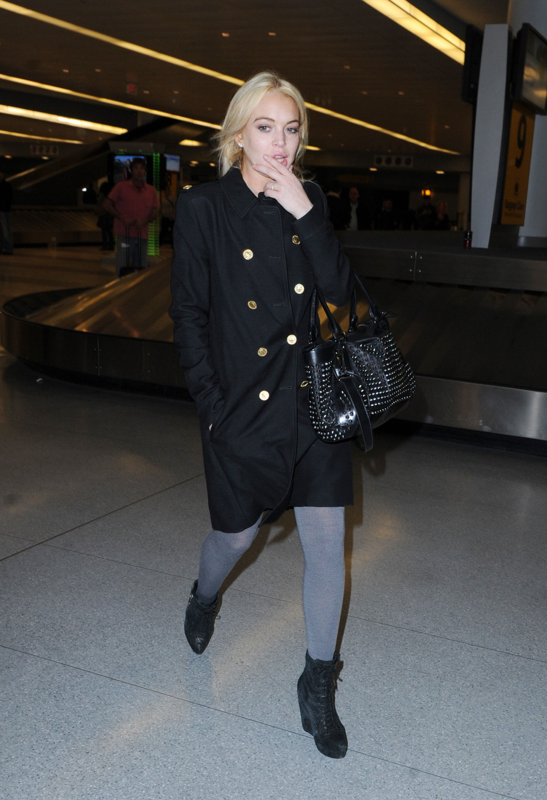 2011 03 13 arrives at jfk airport lindsay lohan 20154998 1752 2560 Nude Rare Celebrities only at Mr Skin